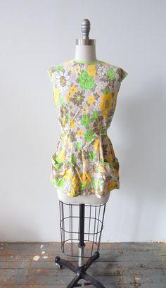 Cute Vintage 1950s Full Apron Pinafore Floral by VintageZipper