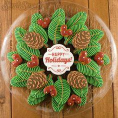 Christmas pine wreath cookie platter. Full tutorial by Semi Sweet Designs Christmas Sugar Cookies, Decorated Christmas Cookies, Christmas Desserts Easy, Christmas Sweets, Christmas Cooking, Holiday Cookies, Christmas Cookie Boxes, Simple Christmas, Gingerbread Cookies