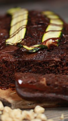 Recipe with video instructions: How do you make chocolate cake using courgettes? Chocolate Courgette Cake, Courgette Cake Recipe, Chocolate Cake, British Baking Show Recipes, French Recipes, British Cake, Zucchini Cake, Loaf Cake, Tea Cakes