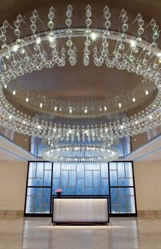 The Langham, Boston Designed by Jacqueline McGee Truitt Architects - Hospitality Western Restaurant, Langham Hotel, Find Cheap Hotels, Luxury Chandelier, Restaurant Lighting, Fine Hotels, Custom Lighting, Model Homes, Federal