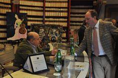 Roberto Mattioli e Luca Filipponi coordinano i dettagli prima di dare l'abbrivio alla cerimonia di premiazione
