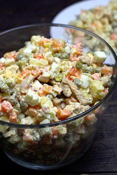 Sałatka ziemniaczana z kurczakiem Gyros – Smaki na talerzu Tzatziki, Tortellini, Salad Recipes, Potato Salad, Grilling, Good Food, Food And Drink, Menu, Cooking Recipes