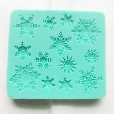 Food Use Grade Sugarcraft Snowflakes Snow Flake Snowflake Candy Cupcake Topper Silicone Mold Soap Molds, Silicone Molds, Resin Molds, Disney Frozen Birthday, Wilton, Snowflake Decorations, Chocolate Fondant, Gifts For Cooks, Cool Kitchen Gadgets