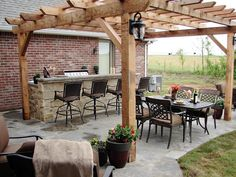 Creative and Simple Yet Affordable DIY Outdoor Bar Ideas. homemade outdoor bar ideas diy outdoor bar top ideas diy outdoor bar table ideas diy outdoor patio bar ideas diy bar ideas for basement Back Patio, Backyard Patio, Backyard Landscaping, Backyard Kitchen, Landscaping Ideas, Backyard Seating, Backyard Playground, Outdoor Kitchen Bars, Outdoor Kitchen Design