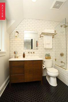 Before & After: A Midwestern Bathroom Opens Up