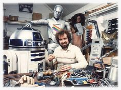 """Tony Dyson, longtime special effects supervisor and the """"father"""" of lovable Star Wars droid has died at the age of In addition to his work on Star Wars, Dyson also worked on Superman II, built a miniature space battle for Bond movie M Disney Cast, Disney Fun, Disney Stuff, Malta, Starwars, Kenny Baker, Star Wars History, Princesa Leia, Star Wars Droids"""