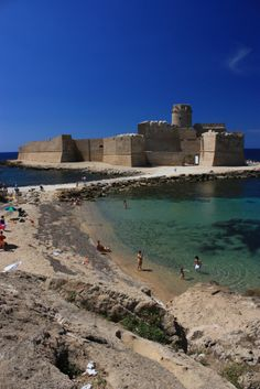 Le Castella, Crotone, Calabria, Italy amyriolo.com