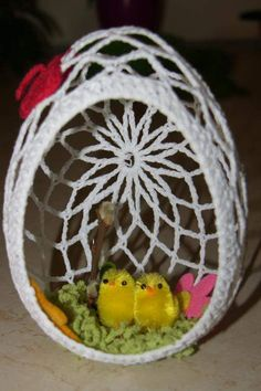 Easter Egg Pattern, Easter Crochet Patterns, Crochet Birds, Crochet Motif, Crochet Designs, Crochet Christmas Ornaments, Holiday Crochet, Crochet Home, Cute Crafts