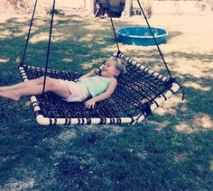Swing made with weaved rope and pvc pipe. Great for a child with cerebral palsy… Schaukel aus geflochtenem Seil und. Pvc Pipe Crafts, Pvc Pipe Projects, Outdoor Projects, Projects For Kids, Home Projects, Diy Pipe, Diy Crafts, Summer Fun For Kids, Diy For Kids