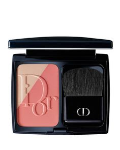 The first contouring blush by Dior, Diorblush Sculpt allows you to easily redefine the face's structure and volumes with the precision of a makeup artist thanks to its two contrasting shades. The matt