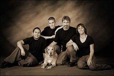 family Family Portrait Poses, Family Posing, Portrait Ideas, Photography Poses, Family Photography, Photos With Dog, Group Poses, Photo Poses, Photo Tips