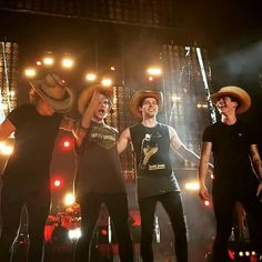 5sos with cowboy hats. #Texas #5sosTexas #5sosDallas 2015