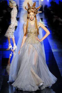 Jean Paul Gaultier Spring 2007 Couture - Runway Photos - Fashion Week - Runway, Fashion Shows and Collections - Vogue Couture Mode, Couture Fashion, Fashion Art, Runway Fashion, High Fashion, Fashion Show, Fashion Design, Emo Fashion, Gothic Fashion