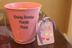Keeping up with the Kiddos: Daisy Scouts Meeting - Purple Petal Bucket fillers - Flower Girl Scout Daisy Petals, Daisy Girl Scouts, Girl Scout Leader, Girl Scout Troop, Girl Scout Activities, Purple Daisy, Daisy Daisy, Brownie Girl Scouts, Mini Roses