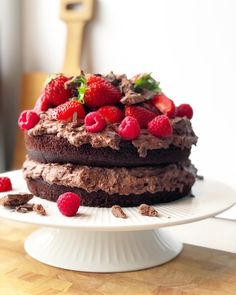 Black magic cake opskrift Fruit Recipes, Cake Recipes, Magic Chocolate Cake, Black Magic Cake, Piece Of Cakes, Cake Cookies, Brownie Cookies, Sweet Tooth, Bakery