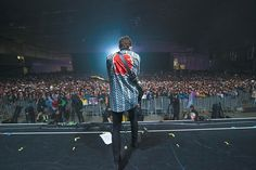 Shawn Mendes performing in Japan