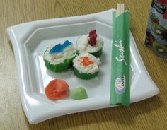 Candy Sushi: We made this for Alexis' kindergarten graduation luau party and it was a huge hit with the kids!
