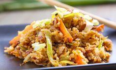 Kuřecí se smaženou rýží Fried Rice, Fries, Menu, Ethnic Recipes, Diet, Menu Board Design, Nasi Goreng, Menu Cards, Stir Fry Rice