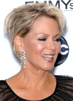 40 best hairstyles for women over 50 with round faces