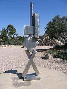 Abstract Expressionism: Cubi VI sculpted by David Smith for the Israel Museum. Metal Art Sculpture, Abstract Sculpture, Abstract Art, Outdoor Sculpture, Mondrian, Kandinsky, Pablo Picasso, David Smith Sculptor, Famous Sculpture Artists