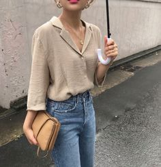 Find images and videos about outfit, clothes and casual on We Heart It - the app to get lost in what you love. Look Fashion, Korean Fashion, Fashion Outfits, Fashion Tips, Fashion Trends, Classy Fashion, Aesthetic Fashion, 80s Fashion, Fashion Ideas