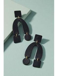 Horseshoe Drop Earrings by Nora Lozza Enamel Jewelry, Clay Jewelry, Jewelry Art, Jewelry Design, Women Jewelry, Jewellery, Leather Earrings, Clay Earrings, Leather Jewelry