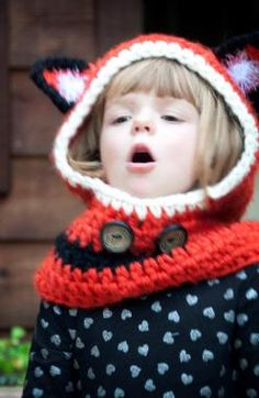Freebie Hooded Fox Cowl Pattern Just in Time for Christmas | Nittin' Ninja