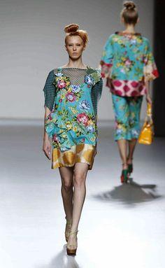 Catwalk Fashion, Fashion Show, Lovely Dresses, Couture Fashion, Diy Clothes, Designer Dresses, Short Dresses, Fashion Dresses, Victoria