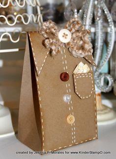 #gift #Pack #Embalagem Paper Bag Crafts, Paper Gift Bags, Paper Gifts, Creative Gift Wrapping, Creative Gifts, Diy Gift Box, Gift Tags, Craft Gifts, Diy Gifts