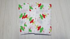 Christmas Cloth Napkins Trees in Red Green on White with Silver Metallic Snowflakes Dinner Lunch 16 Inch Set of 4