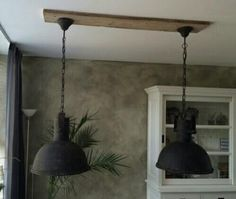 Stoere Industriële hanglamp met oude look metaal/glas Contemporary Garden Rooms, Country Lamps, Shabby Chic Lamps, Living Room Green, Bedside Lamp, Floor Lamp, Pendant Lighting, Table Lamp, Ceiling Lights
