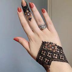 Mehndi Designs Finger, Floral Henna Designs, Henna Tattoo Designs Simple, Latest Bridal Mehndi Designs, Full Hand Mehndi Designs, Mehndi Designs Book, Modern Mehndi Designs, Mehndi Designs For Girls, Mehndi Designs For Beginners