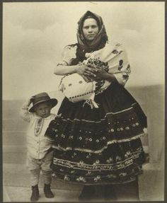 Slovak woman and her children arriving at Ellis Island, Circa 1906-14. By Augustus Sherman