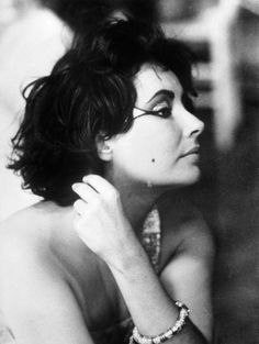 Elizabeth Taylor ins 1960s Sixties makeup