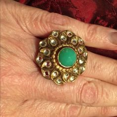 Stella & Dot ring WILL FIT ANY SIZE FINGER Green stone with beautiful crystals in gold Stella & Dot Jewelry Rings