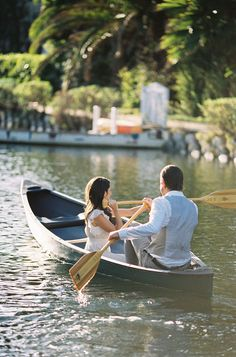GET-AWAY BOAT FOR LAKE...GUESTS LINE UP ON DOCK... Venice Canals + Canoes | Best Wedding Blog - Wedding Fashion & Inspiration | Grey Likes Weddings