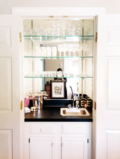 Glass shelves Kitchen Wall - - Stained Glass shelves - Floating Glass shelves Bar - Glass shelves In Bathroom Niche Floating Glass Shelves, Glass Shelves Kitchen, Bar Shelves, Bookcase Bar, Open Shelving, Tea Station, Bar Interior, Closet Bar, Living Room Bar