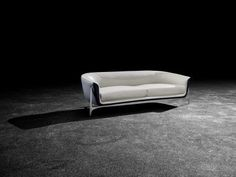 The Mercedes-Benz Style furniture was designed in collaboration with Formitalia.