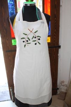more olives, hand embroidered on flour sack fabric for this machine washable apron 45 TL, 15 euro Flour Sacks, Olives, Aprons, Euro, Turkey, Fabric, Fashion, Tejido, Moda