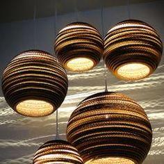 Luminaria Corrugated Board Pendant Light – Tudo And Co Ceiling Light Design, Modern Ceiling, Unique Lighting, Lighting Design, Lighting Ideas, Pendant Lighting, Room Lights, Ceiling Lights, Cardboard Sculpture