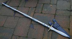 commande client Epieu de chasse lame lancéolé de 30 cm forgée en Xc 75 avec trempe selective , epaisseur de 10 mm a la garde tubes en alumininium d'aviation , 1m47 hors tout
