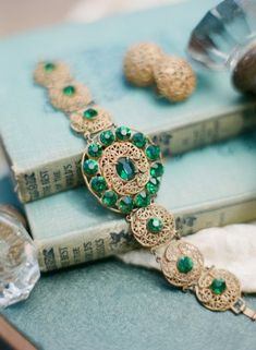 {Vintage Emerald Bracelet} Have you heard? Emerald is the 2013 Pantone Color of the Year ... this piece makes me understand why! Gorgeous