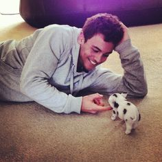 Tom Daley and his teacup pig, Robby-Ray! :D :D