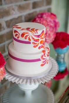 Creative Cake Design: www.theperfectpalette.com Photo by KMI Photography, Floral Design by Fiore Fine Flowers