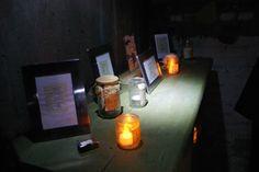Inkt Moet Vloeien!: Beeldige impressies van de Schuilkelders van de Poëzie (fotoreportage Jeroen Bernaer)