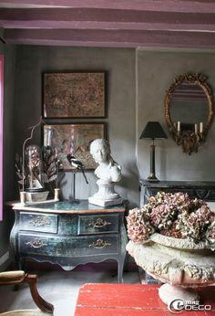 """""""Gustave"""" coffee shop & home of LLado Raphael & Sebastian Levavasseur via e-magDECO"""