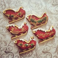 Some lovely sleigh cookies (Christmas Sweets Recipes Sugar) Christmas Sugar Cookies, Christmas Sweets, Christmas Cooking, Noel Christmas, Christmas Goodies, Holiday Cookies, Christmas Cakes, Christmas Parties, Elegant Christmas