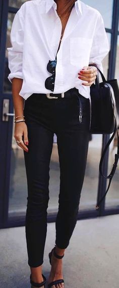 32 Ideas for dress casual winter outfits black skinnies Outfits Casual, Mode Outfits, Heels Outfits, Casual Shoes, Dress Casual, White Shirt Outfits, White Dress Shirts, Black White Outfits, White Jeans Winter Outfit