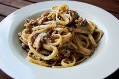 Spaghetti mit Jägersoße, ein beliebtes Rezept mit Bild aus der Kategorie Braten. 12 Bewertungen: Ø 4,0. Tags: Beilage, Braten, Gemüse, Hauptspeise, Nudeln, Pilze, Rind, Schwein