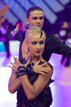 Nino Langella & Kristina Moshenskaya - Styling for short hair / latin dance